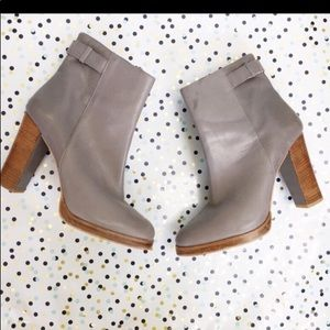 ZARA gray pump heel booties 10